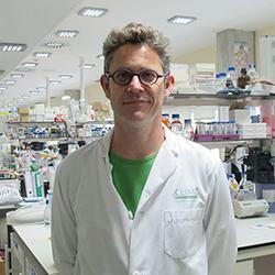 L'Alfredo, investigador de la malària