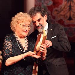 Un premi per a l'escriptora Isabel-Clara Simó